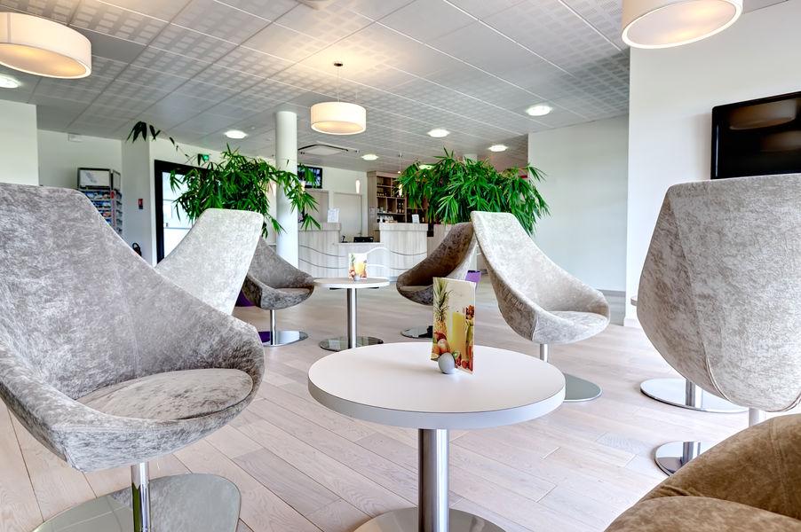 Brit Hotel Les Sables d'Olonnes – Vendée Mer Brit Hotel Les Sables d'Olonnes – Vendée Mer - Espace salon détente