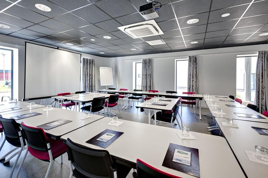 Brit Hotel Les Sables d'Olonnes – Vendée Mer Brit Hotel Les Sables d'Olonnes – Vendée Mer - Salle de réunion