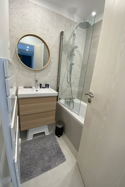 Duplex des cailloux Salle de bain Baignoire