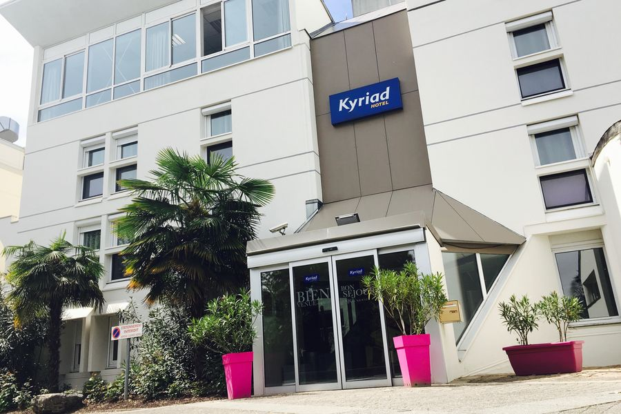 Kyriad Voiron Chartreuse Centr'Alp*** Façade