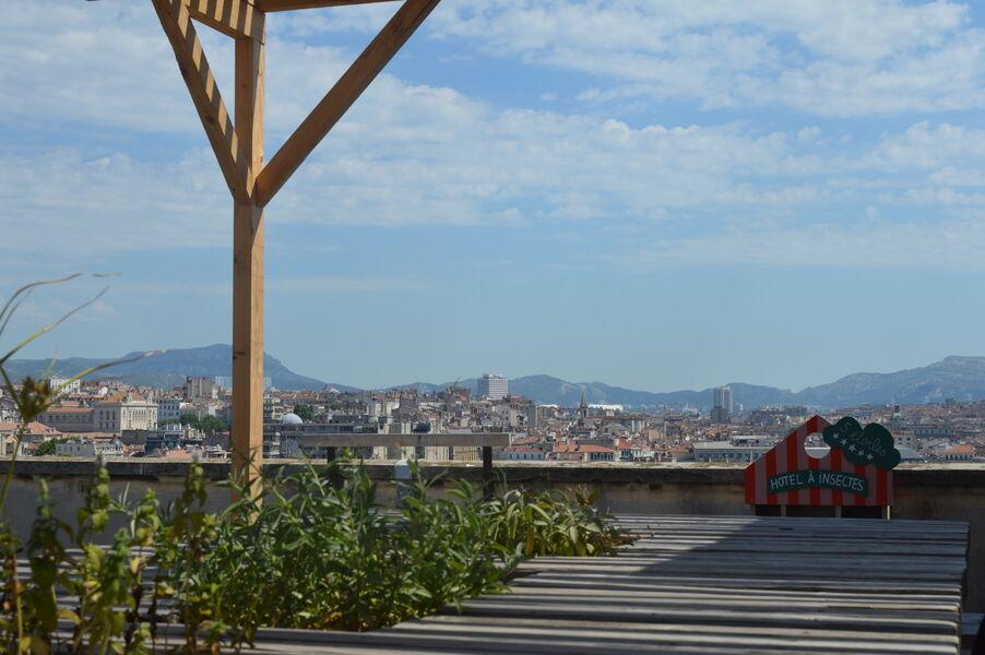 Coco Velten - 5 espaces privatisables Le Toît terrasse et une partie de la vue panoramique sur Marseille