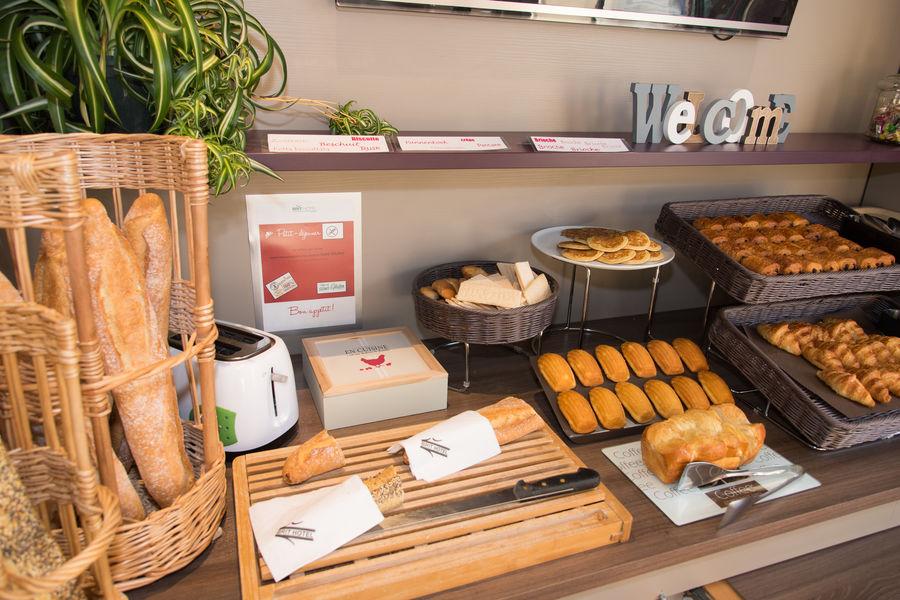 Brit Hotel Tours Sud – Le Cheops *** Petit déjeuner buffet