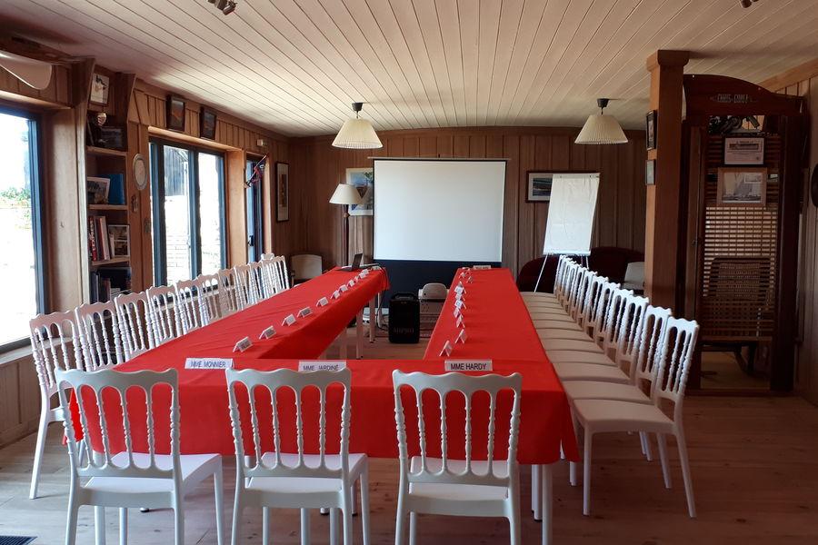 Chantier Nicolas Chantier Nicolas - Salle Chris Craft - réunion en U