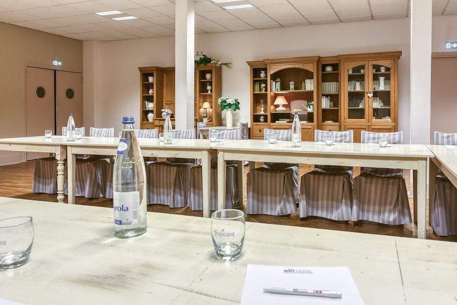 Brit Hotel Bristol Montbéliard Centre *** Salle de séminaire