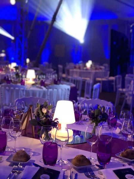 Le Chapiteau de Cirque de Bordeaux Le Chapiteau de Cirque de Bordeaux - table dressée