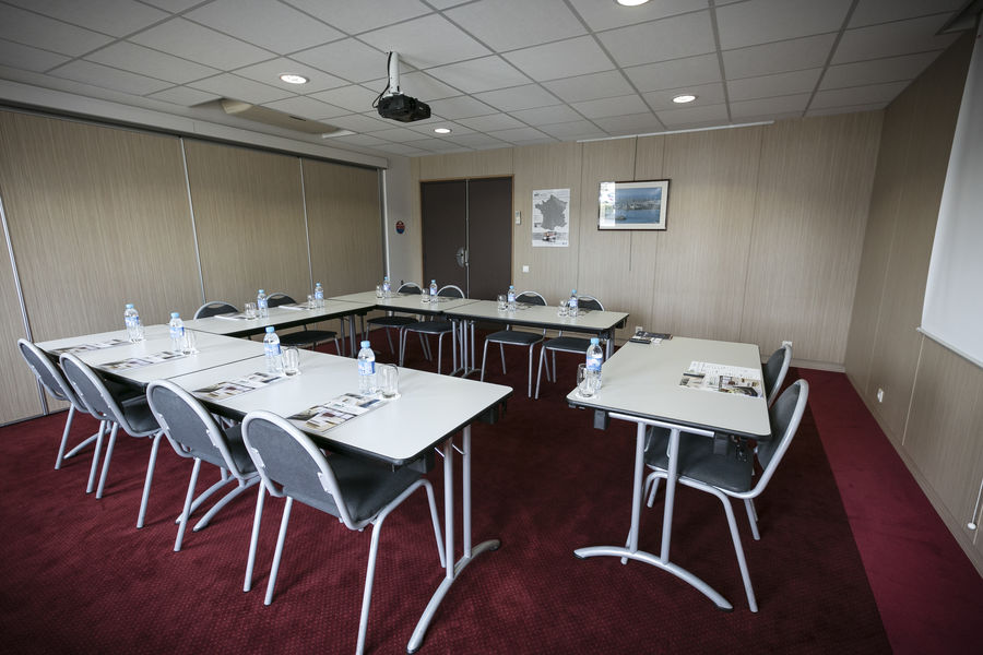 Brit Hotel Rennes - Le Castel *** Salle de séminaire en U