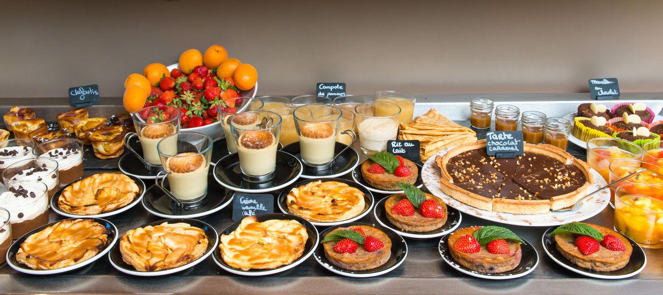 Brit Hotel Nantes Saint Herblain - Le Kerann *** Buffet des desserts