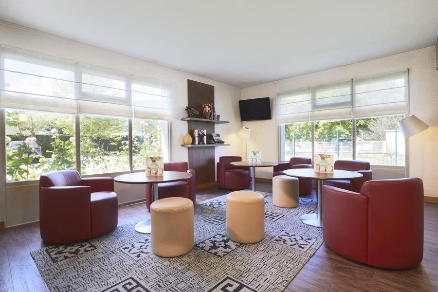 Hôtel Campanile Chambery*** Salon
