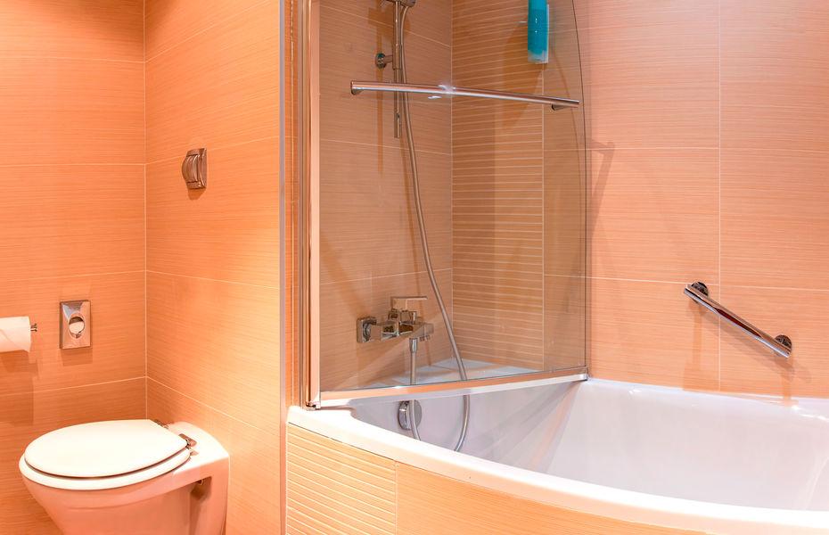 Holiday Inn Mulhouse**** Salle de bain - chambre standard