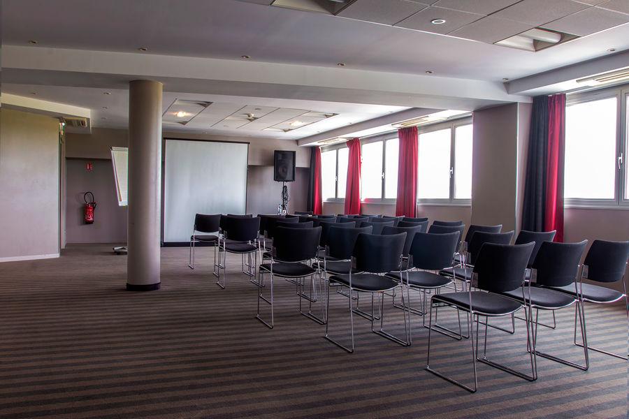 Holiday Inn Mulhouse**** Salle de séminaire - Le Honeck