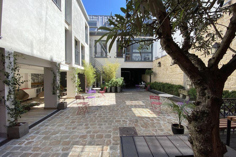 Le  B45 -  Hôtel Particulier & Distillerie LA COUR B45