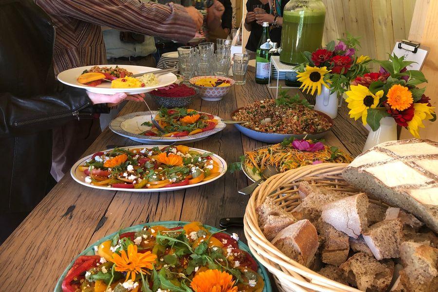 Ferme Nature et Découvertes Des partenaires traiteurs bio du quartier qui utilisent les légumes de la ferme quand cela est possible