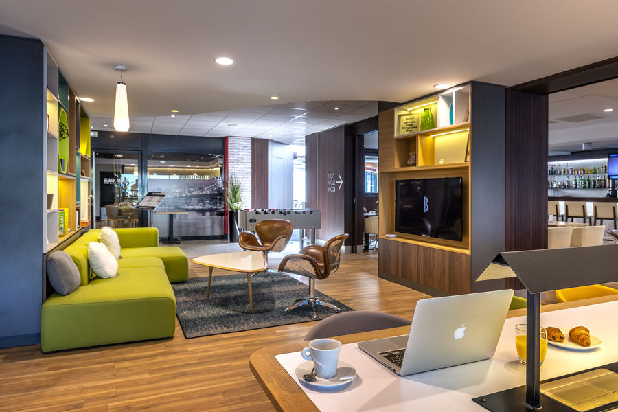 Holiday Inn Toulouse Airport, IHG Open Lobby