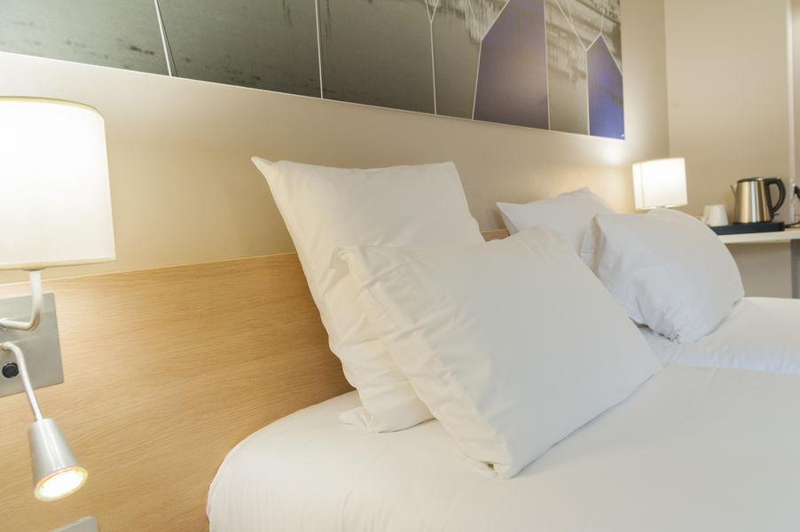 Brit Hotel Mâcon Centre Gare *** Chambre Cosy grand lit