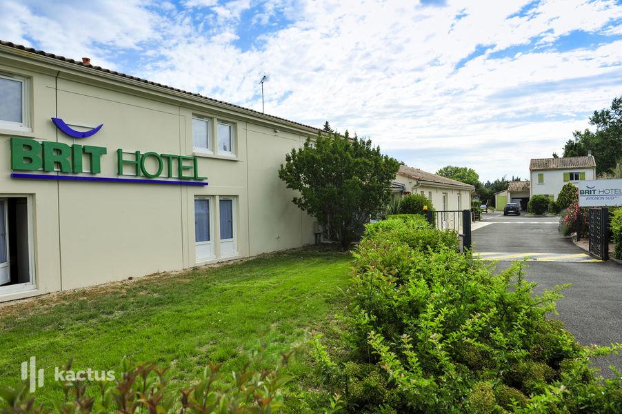 Brit Hotel Avignon Sud – Le Calendal *** Extérieur de l'hôtel