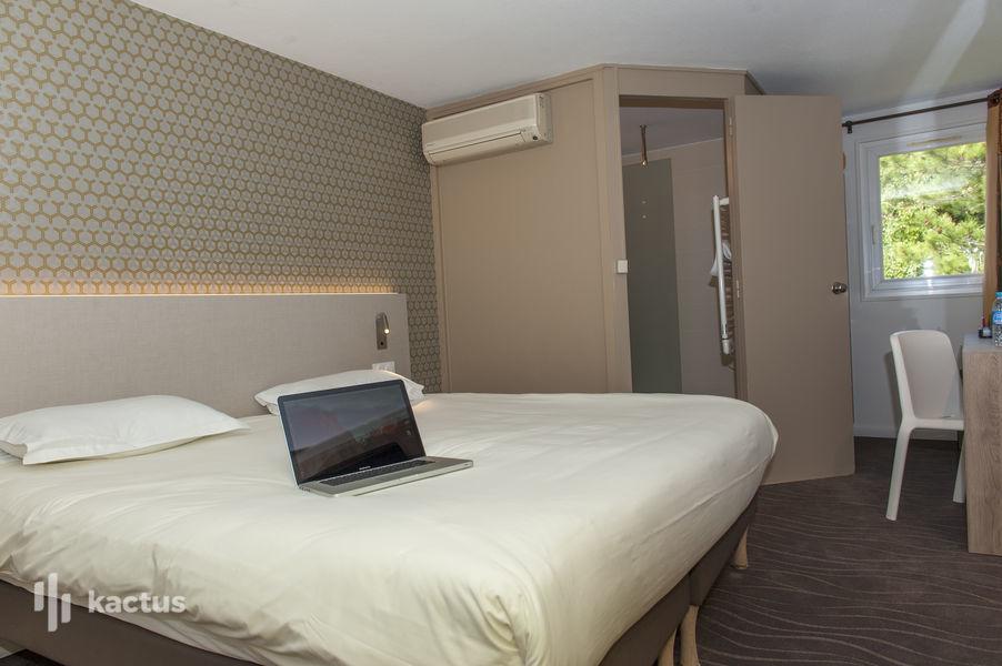 Brit Hotel Avignon Sud – Le Calendal *** Chambre Premium grand lit