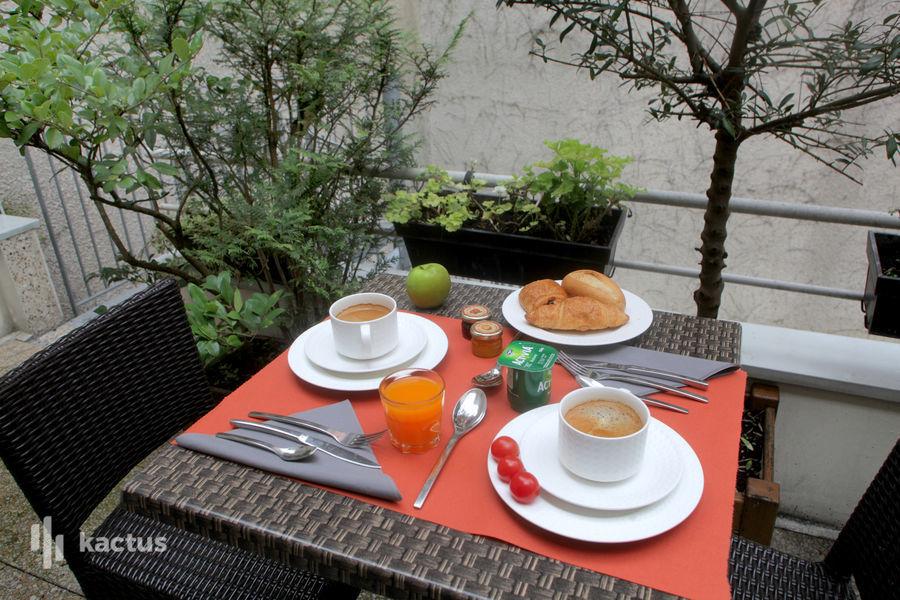 Holiday Inn Paris-Montmartre, IHG Terrasse près salle Francoeur