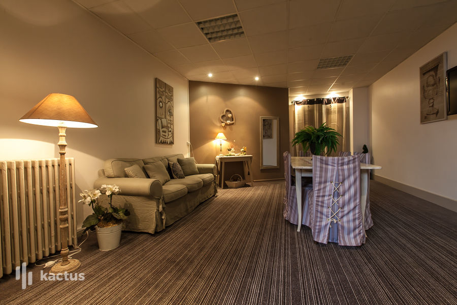 Brit Hotel Bristol Montbéliard Centre *** Salon massage