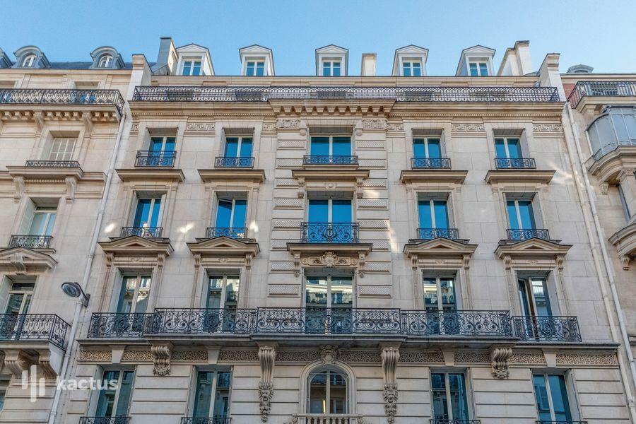 Patchwork Saint-Lazare Façade de l'immeuble