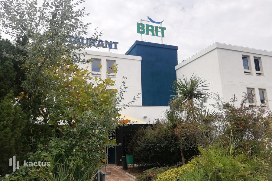 Brit Hotel Marseille Aéroport 4