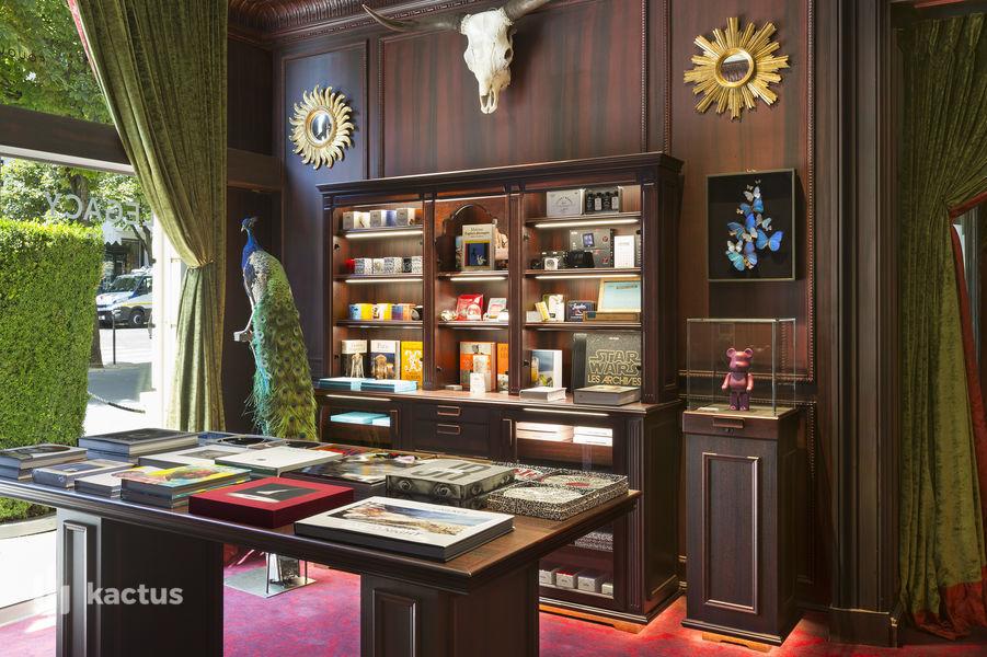 Hôtel Barrière Le Fouquet's Paris ***** Legacy Store