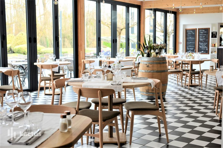 Golf Hôtel Charmeil *** Véranda restaurant Wedge