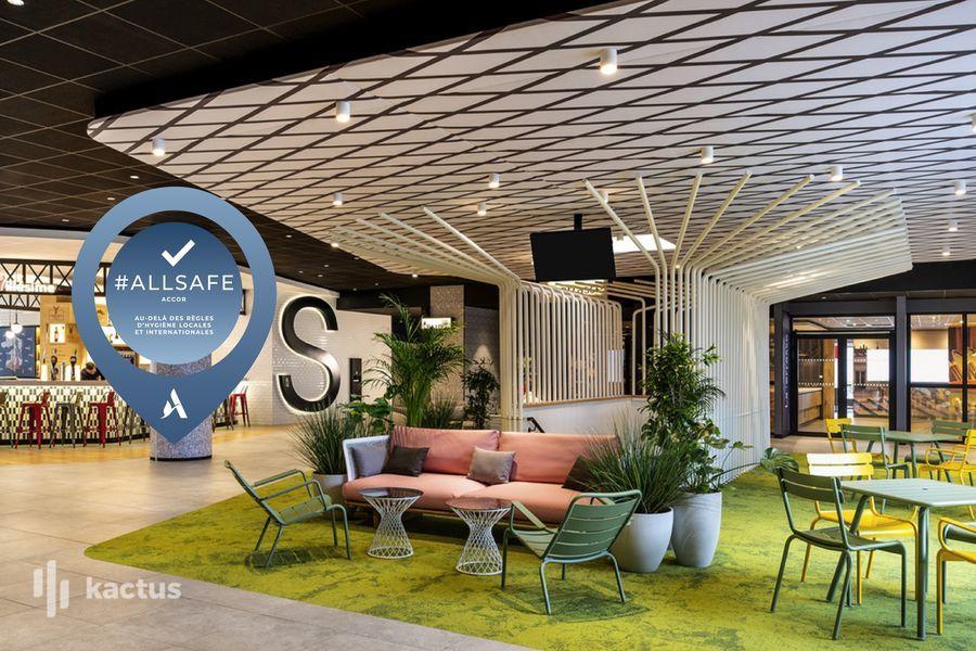 Ibis Paris CDG Airpost SB1 Lobby