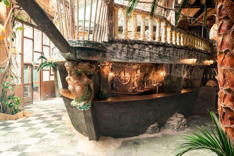 Le Comptoir Général Salle du Bâteau - Le Bar