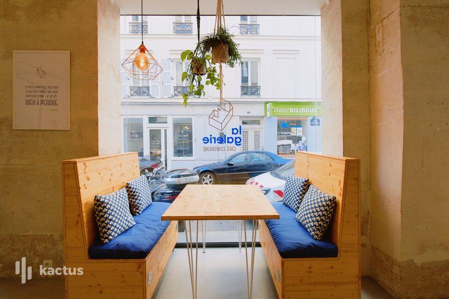 La Galerie Café Coworking Booth
