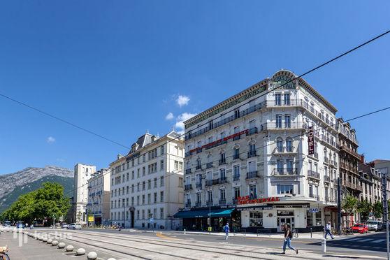 Brit Hotel Grenoble Suisse et Bordeaux