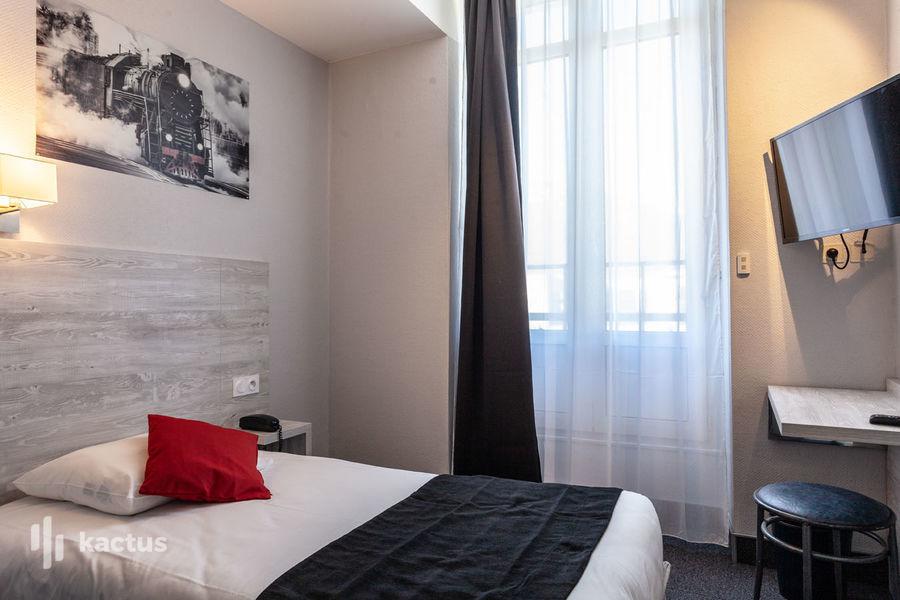 Brit Hotel Grenoble Suisse et Bordeaux Chambre du Brit Hotel Grenoble Suisse et Bordeaux