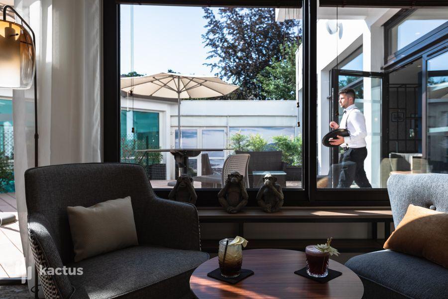 Hôtel Mercure Aix Les Bains Domaine de Marlioz **** BAR FLÕ @francoisaubonnet