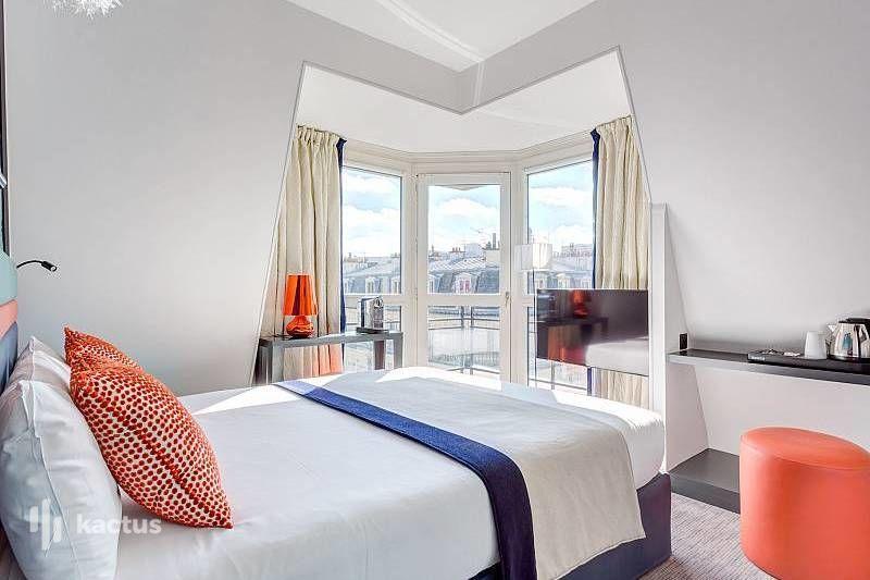 Hôtel Yllen Eiffel Suite Junior Haute Couture avec balcon