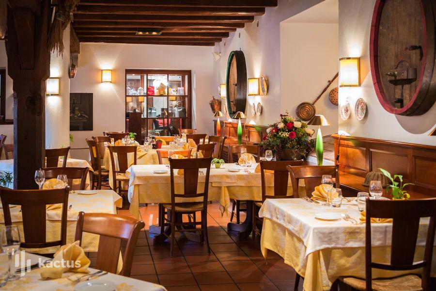 """Hôtel À La Cour d'Alsace **** Winstub """"Caveau de Gail"""""""