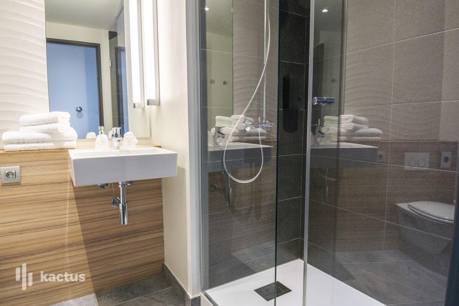 Hôtel Belaroïa Golden Tulip et Campanile Montpellier Centre Salle de bain Campanile ***