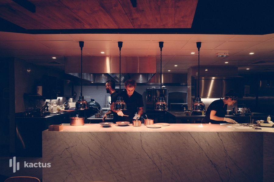 Hôtel Belaroïa Golden Tulip et Campanile Montpellier Centre Cuisine ouverte restaurant Chez Delagare