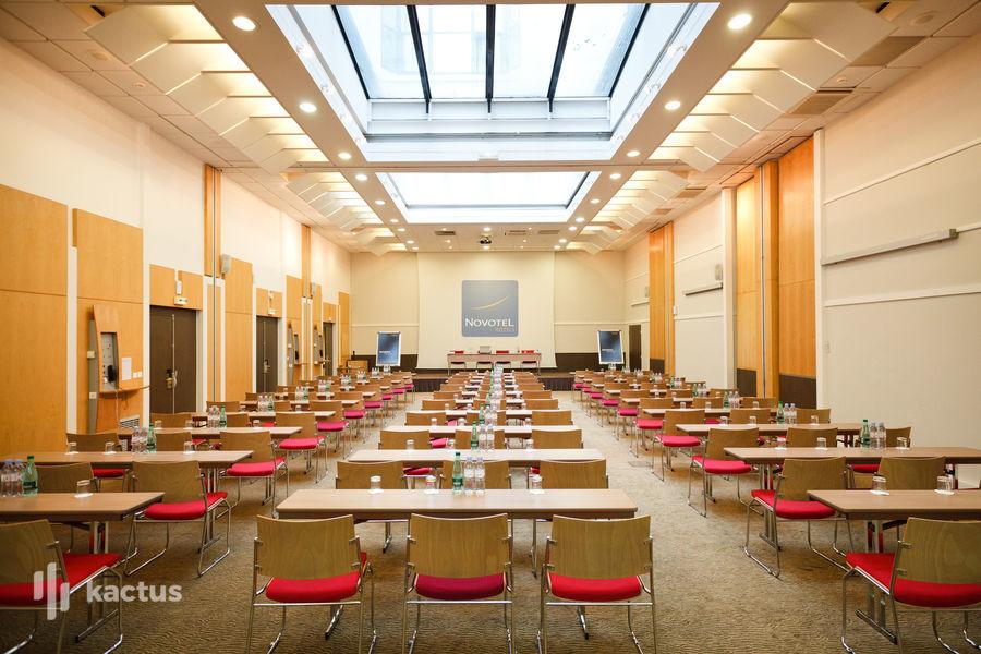 Novotel Paris Pont de Sèvres **** Salle de réunion 200m²