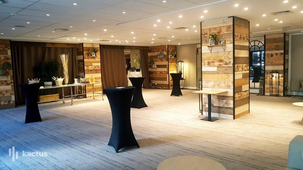 Hôtel Barrière Le Gray d'Albion Cannes  Salon de réception 4 Saisons