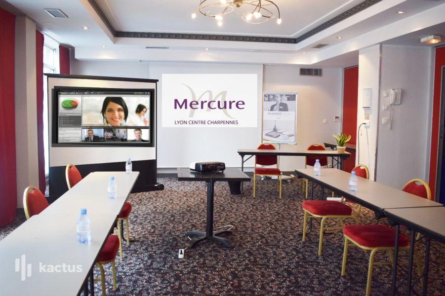 """Mercure Lyon Centre Charpennes **** Notre offre """"Phygitale"""", pour vos réunions en présdentiel et à distance"""