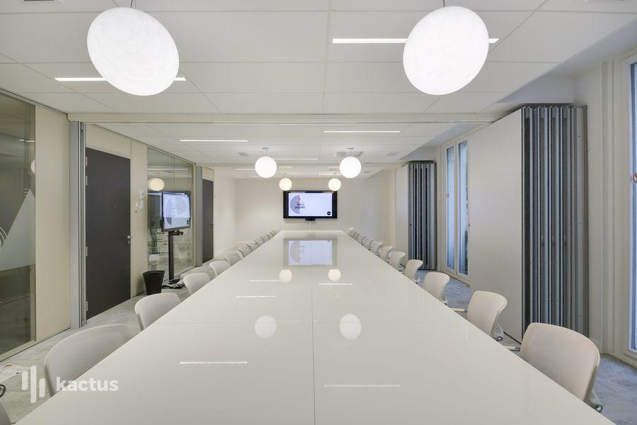 Wellio Paris Miromesnil Salle de réunion 30 personnes - Lumière du jour - MOGADOR / PERCIER / GAVEAU