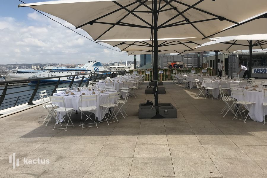 Le Reverso / Rooftop R2 Marseille  DINER ASSIS ROOFTOP