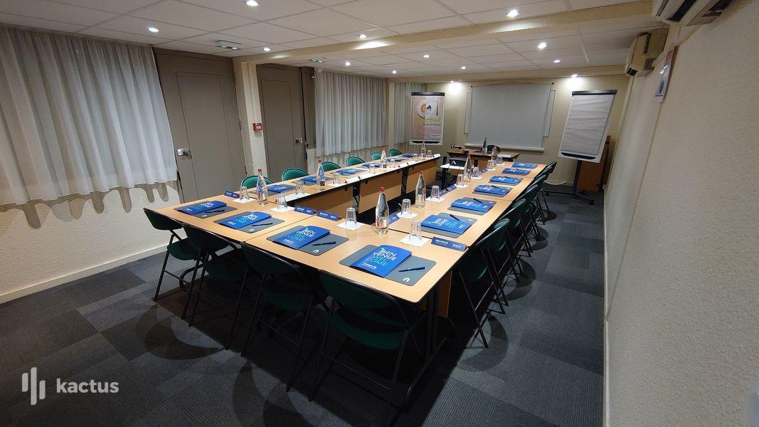 Campanile Bordeaux Nord - Le Lac *** Salle de réunion