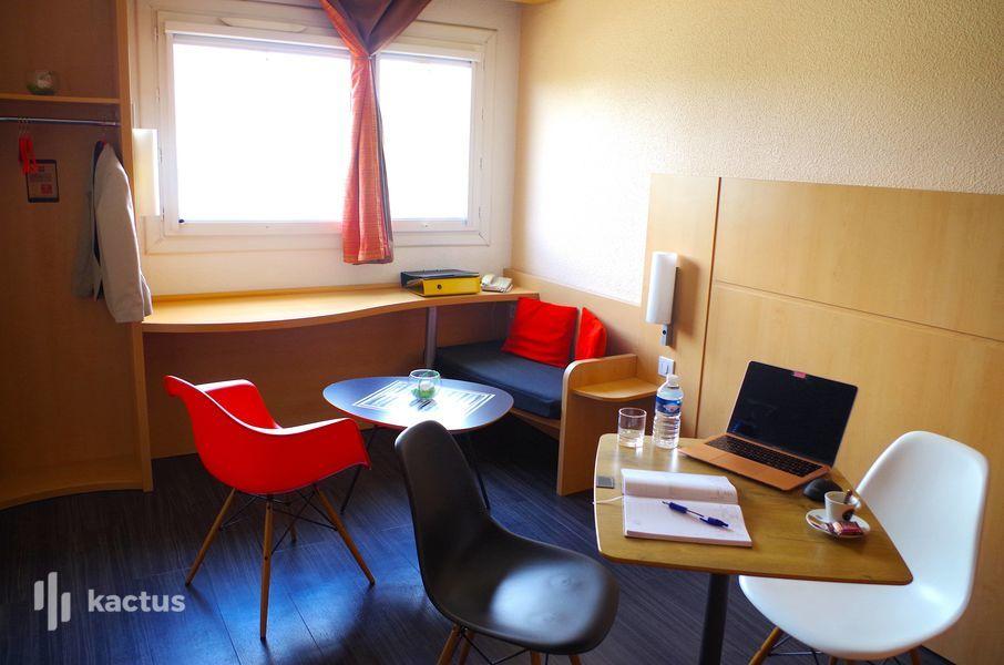 Hôtel Ibis nimes Ouest BUREAU PRIVATIF