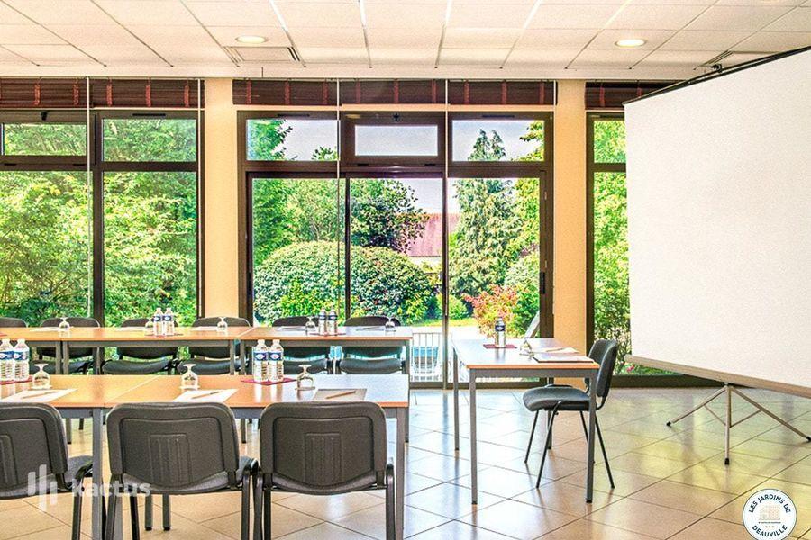 Les Jardins de Deauville *** Salle de séminaire - Noirval