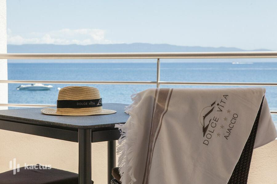 Hôtel Restaurant Dolce Vita **** Hôtel Restaurant Dolce Vita **** _chambre double supérieure vue mer