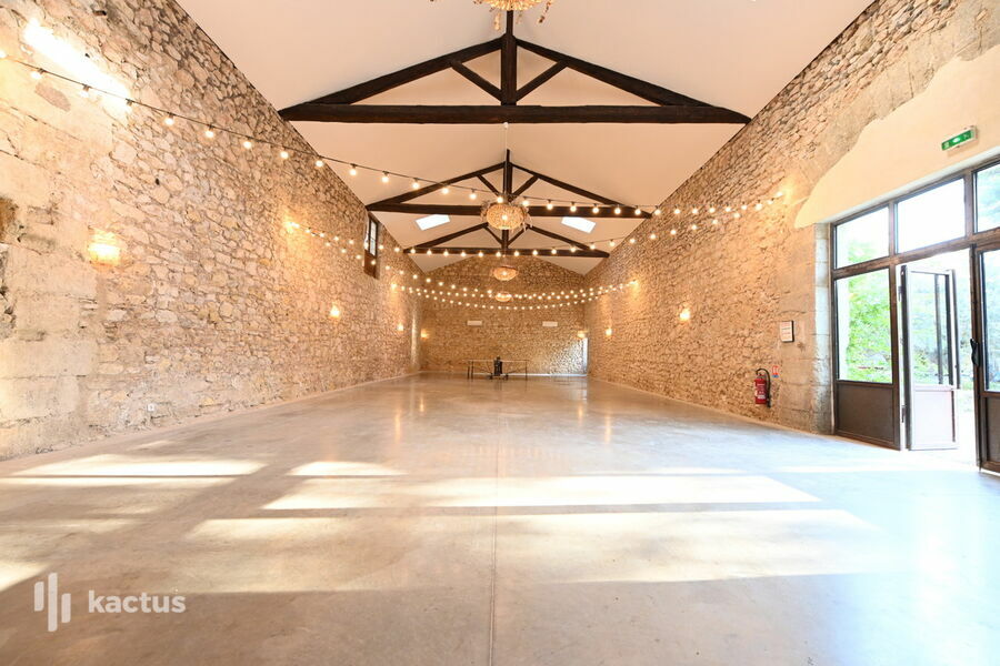 Domaine de la Grangette Grande salle ancien chai