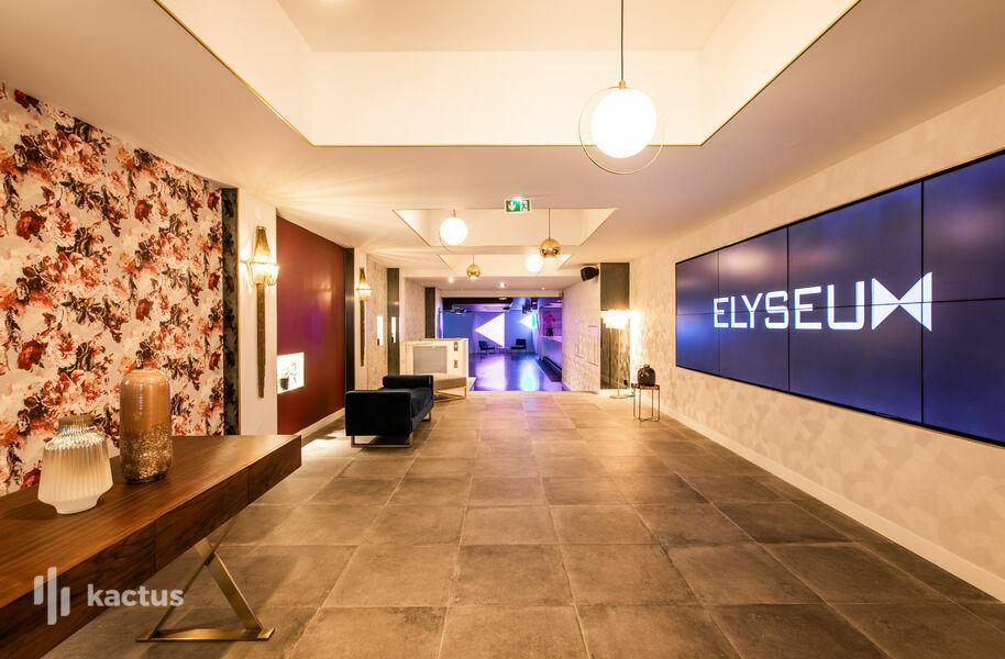 Elyseum Entrée - zone d'accueil avec écran personnalisable