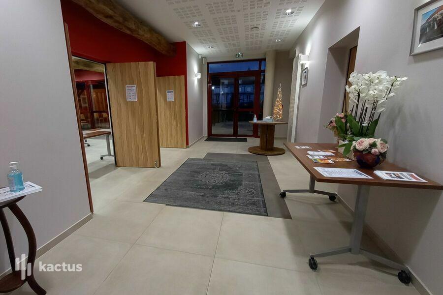 La Croisée des Possibles Accueil, salle à gauche, toilettes à droite, La Croisée des Possibles, Oise