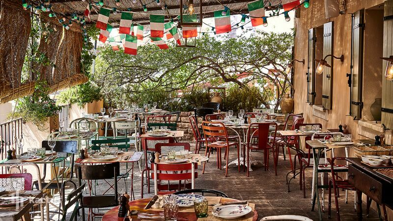 Airelles Gordes, La Bastide ***** Restaurant La Bastide de Pierres