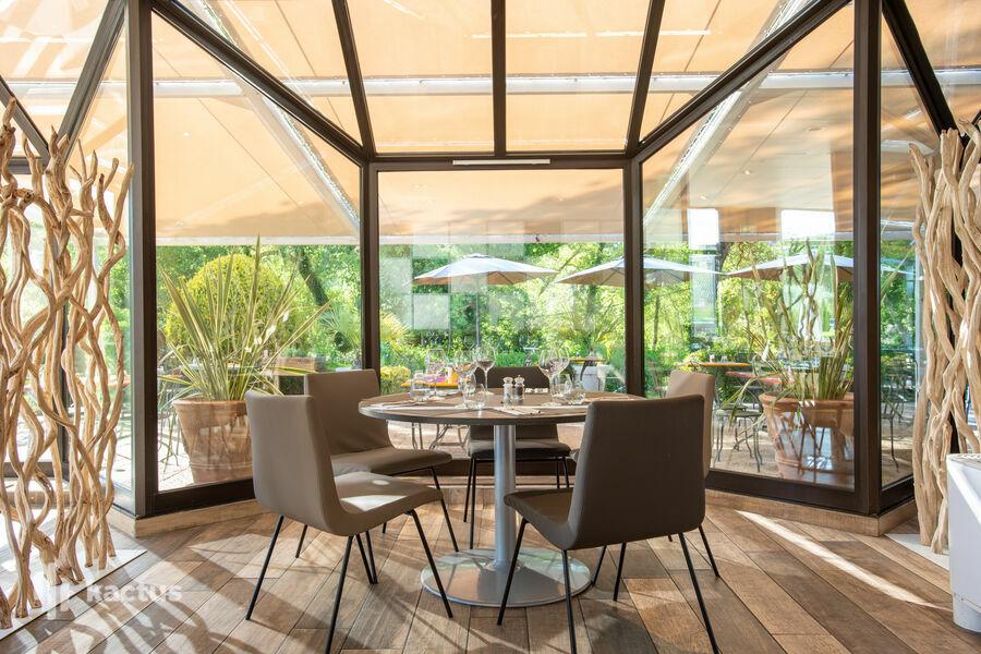 Novotel Pont De L'Arc Fenouilleres **** Restaurant